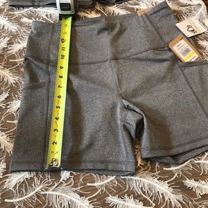 ReeBok training fitted high rise shorts w/pockets